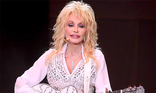 Dolly Parton -  'Blue Smoke Tour' First Direct Arena, Leeds June 2014 Live Review Live Review