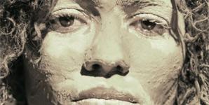 Nneka - Soul Is Heavy