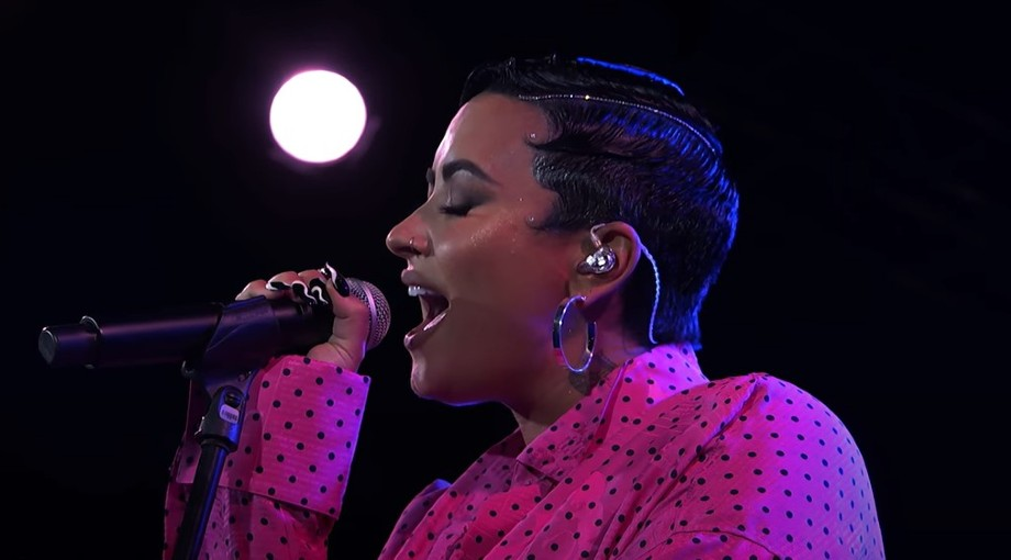 Demi Lovato - Dancing With The Devil (Live Acoustic Performance) Video Video