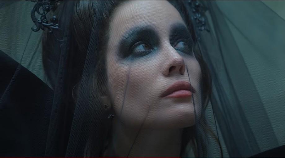 Halsey - I am not a woman, I'm a god Video Video