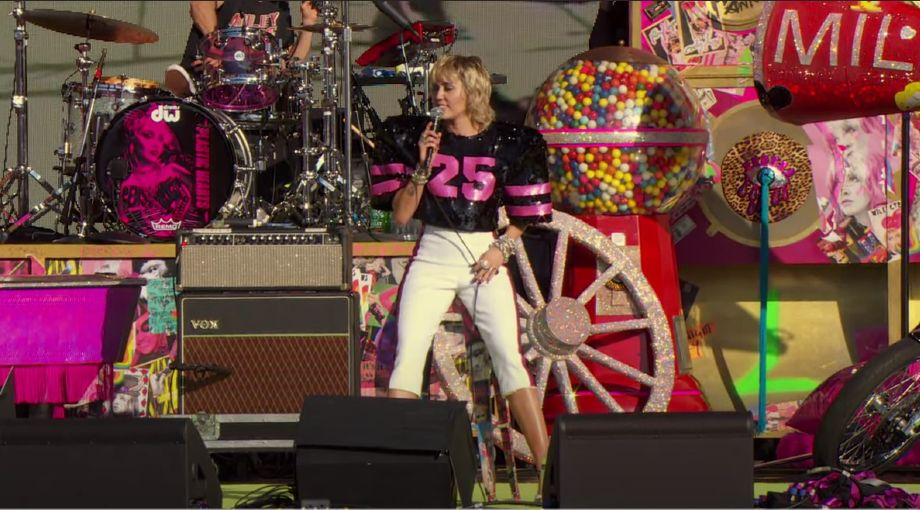Miley Cyrus - Angels Like You (Live at the Super Bowl Pre-Show) Video Video