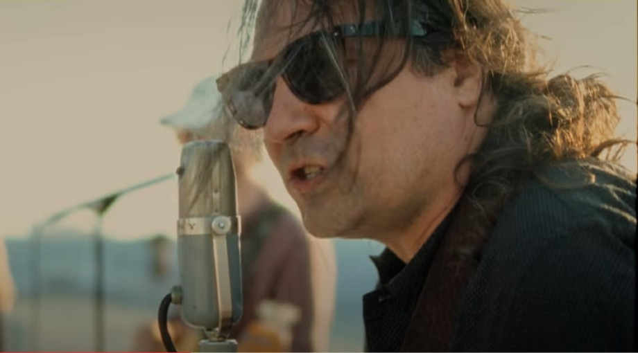The War On Drugs - I Don't Live Here Anymore (feat. Lucius) Video Video
