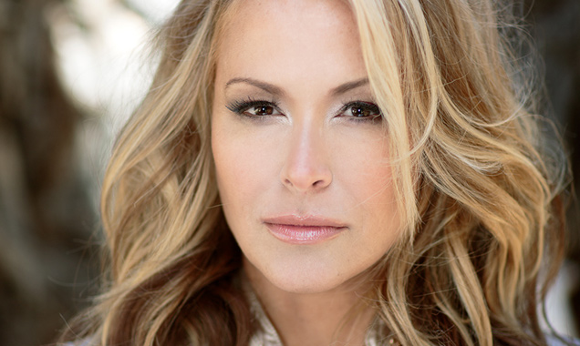 Anastacia Announces New Album 'Resurrection' Out In The UK May 5th 2014