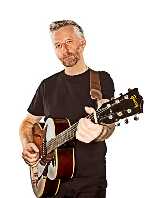 Billy Bragg Announces New 2013 Tour Dates For Nov/Dec
