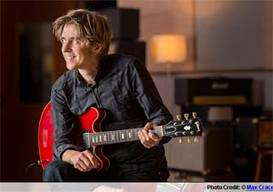Eric Johnson To Release New Album 'Up Close - Another Look' On Monday 1st April 2013