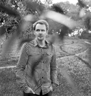 Karl Smith Announces New Album 'Kites' Out 21th October 2013