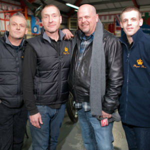 Pawn Stars UK Episode 1 'Pawning Your Lordship' On History On 26 August 2013