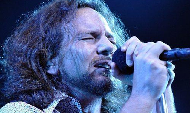 Pearl Jam Add Special Guests Black Rebel Motorcycle Club To UK July 2014 Show
