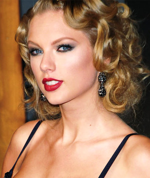 Taylor Swift To Bring The Red Tour To The Uk In February 2014