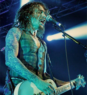 The Darkness Adds Additional Hometown Show For Nov And  Dec 2013 Tour