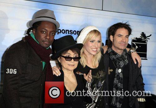 Black Eyed Peas, John Lennon, Las Vegas, Natasha Bedingfield and Yoko Ono