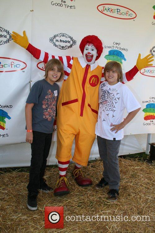Cole Sprouse, Ronald Mcdonald and Dylan Sprouse 2