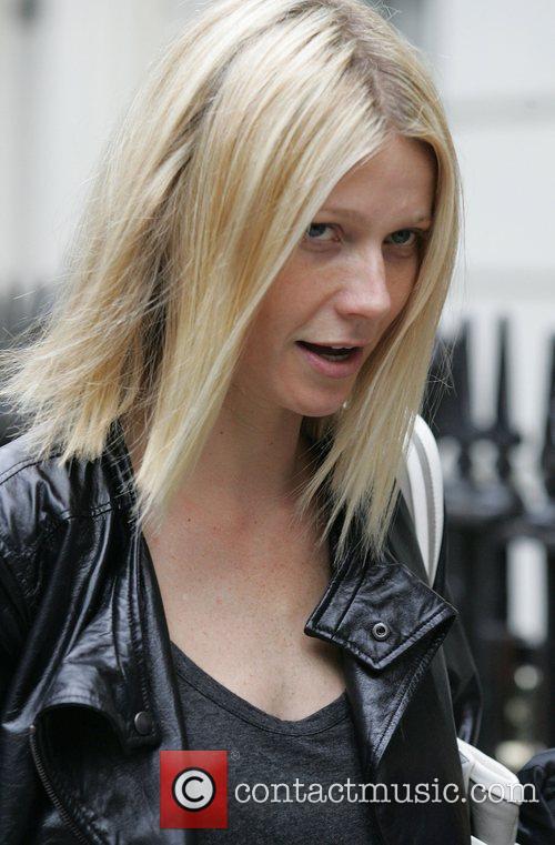 Gwyneth Paltrow and Madonna 1