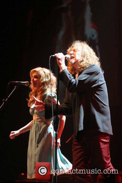 Alison Krauss and Robert Plant 11