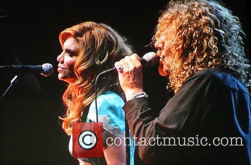 Alison Krauss and Robert Plant 2