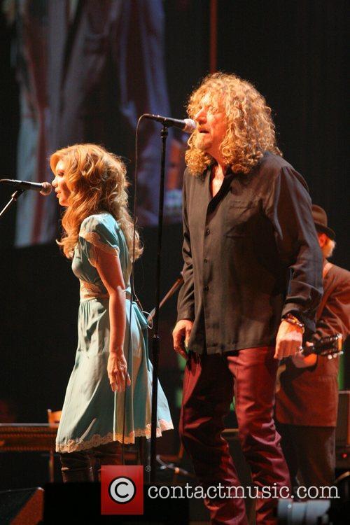 Alison Krauss and Robert Plant 9