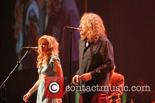 Alison Krauss and Robert Plant 8