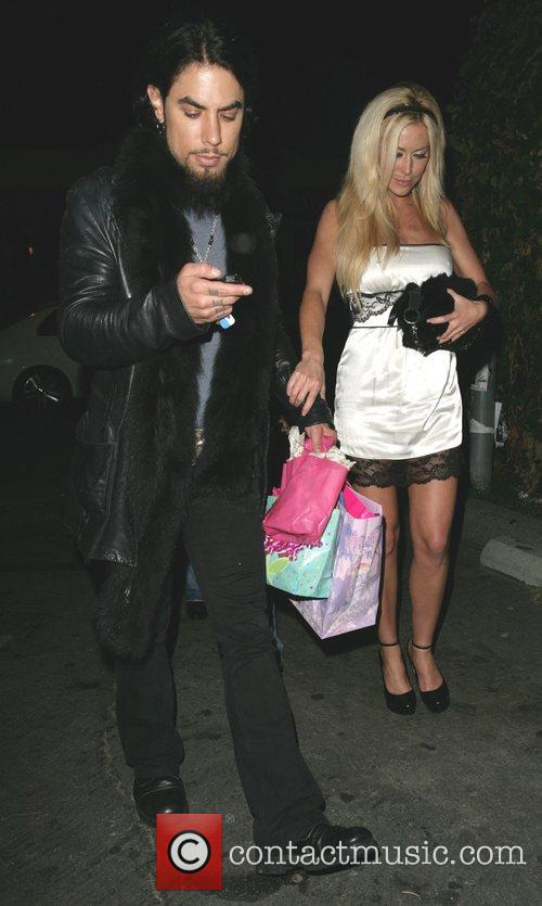 Dave Navarro and Girlfriend Nicole Bennett 6