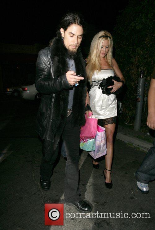 Dave Navarro and Girlfriend Nicole Bennett 8