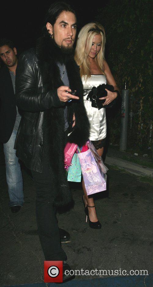 Dave Navarro and Girlfriend Nicole Bennett 2