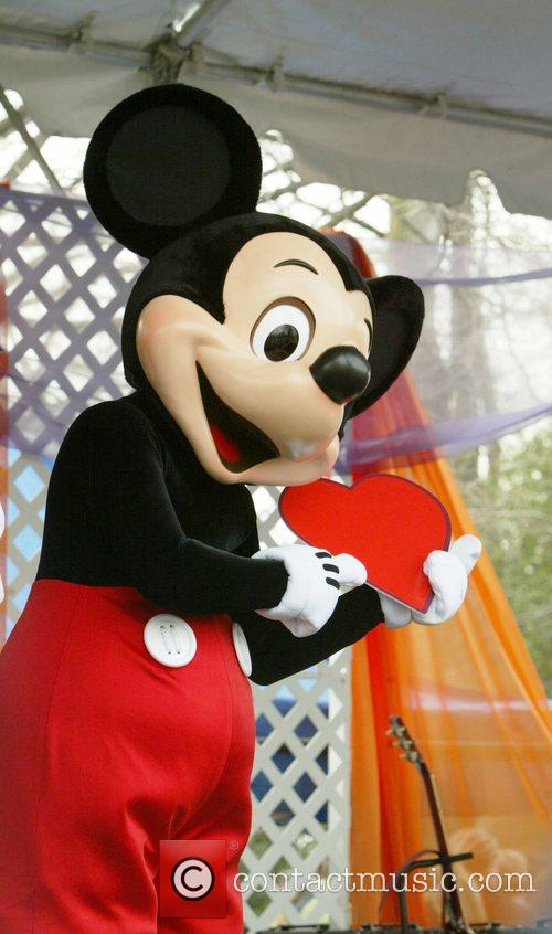 Mickey Mouse and White House 1
