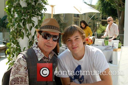 William Moseley (r) and Lindsay Lohan