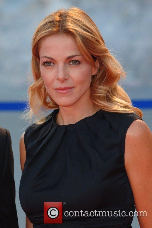 Claudia Gerini 5