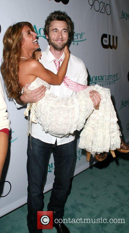 Shenae Grimes and Ryan Eggold