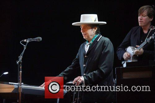Bob Dylan and Optimus Alive 7