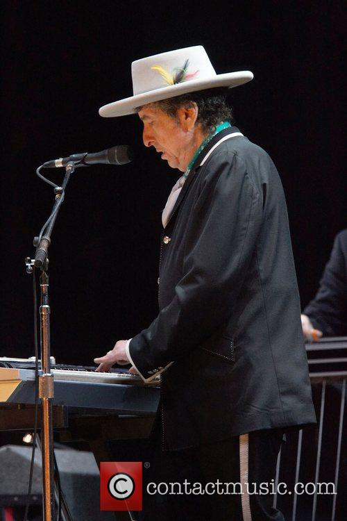 Bob Dylan and Optimus Alive 2