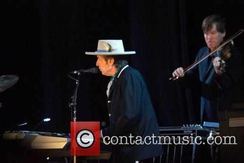 Bob Dylan and Optimus Alive 9