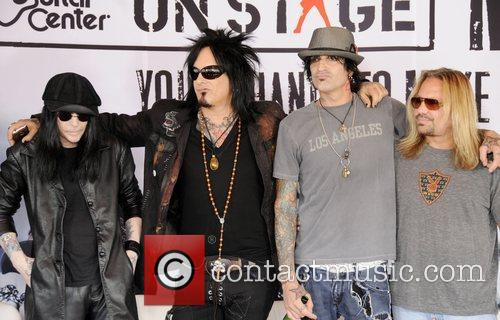 Motley Crue, Tommy Lee and Vince Neil 1