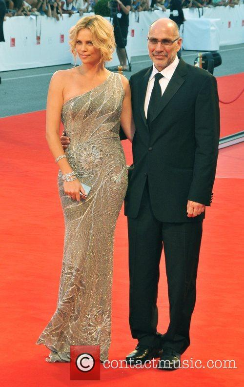 Charlize Theron and Guillermo Arrriaga 4