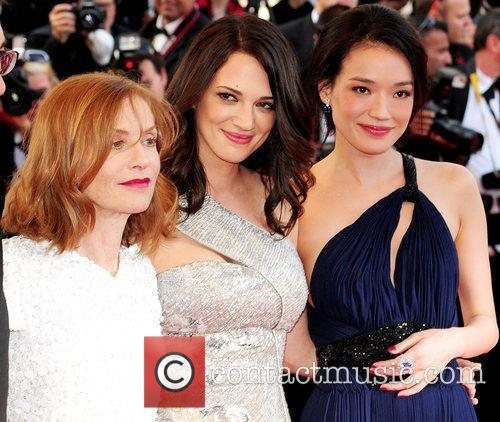 Isabelle Huppert and Asia Argento 10