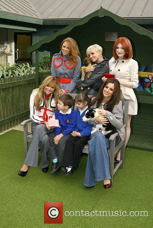 Nadine Coyle, Girls Aloud, Kimberley Walsh, Nicola Roberts and Sarah Harding 1