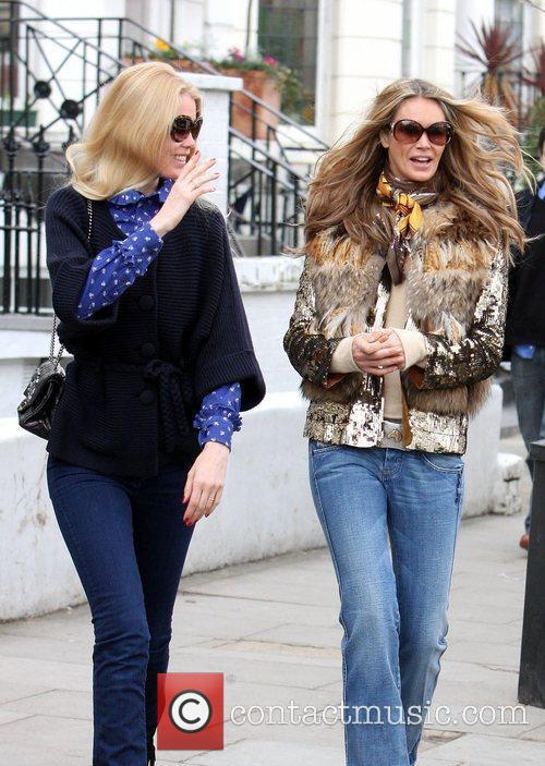 Claudia Schiffer and Elle Macpherson 2
