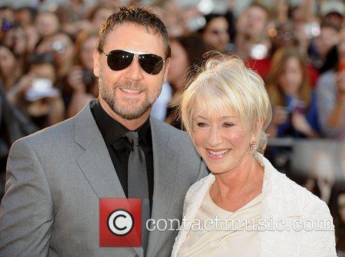 Helen Mirren and Russell Crowe 10