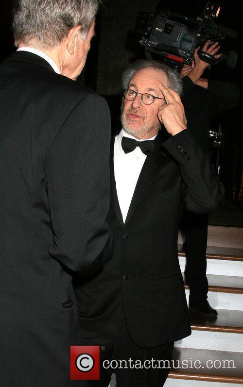 Steven Spielberg and Warren Beatty 4