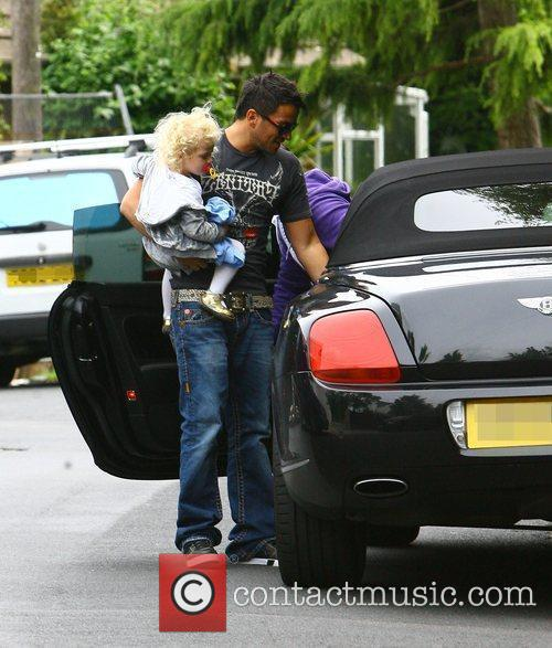 Peter Andre and With His Daughter Princess Tiaamii 4