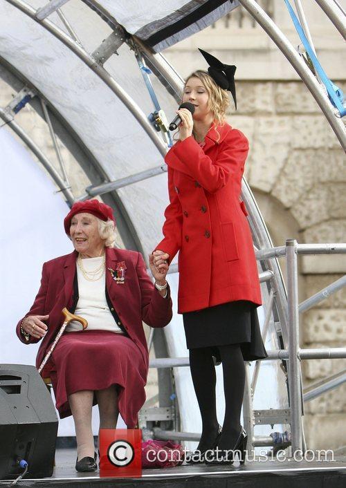 Hayley Westenra and Dame Vera Lynn 1