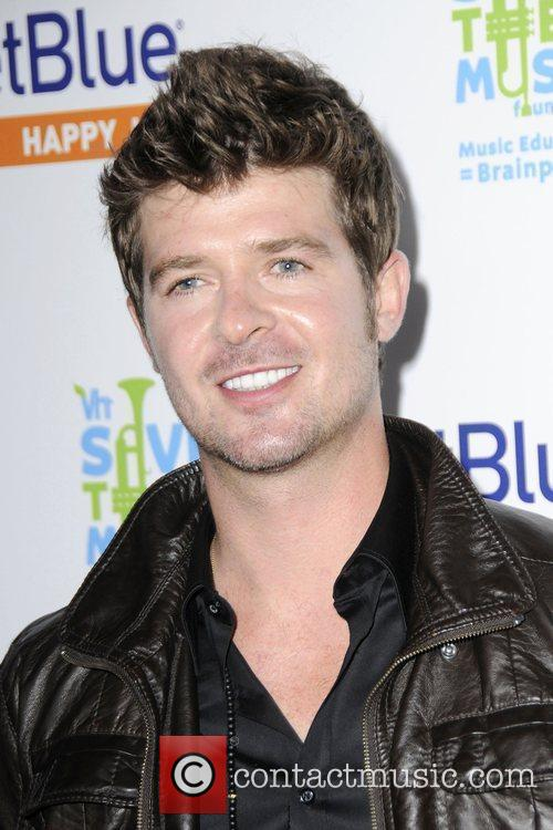 Robin Thicke and Vh1
