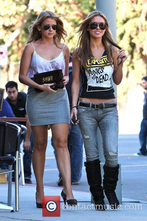 Audrina Patridge and Lo Bosworth Film Scenes For The New Season Of 'the Hills' Outside Fratelli's Restaurant On Melrose Avenue 4