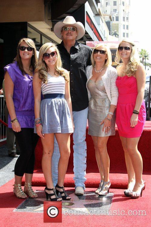 Alan Jackson, His Family, Daughter Mattie Jackson, Daughter Dani Jackson, Wife Denise Jackson and Daughter Ali Jackson