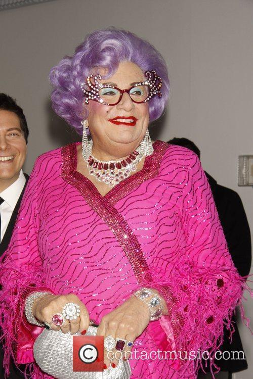 Dame Edna Everage 7