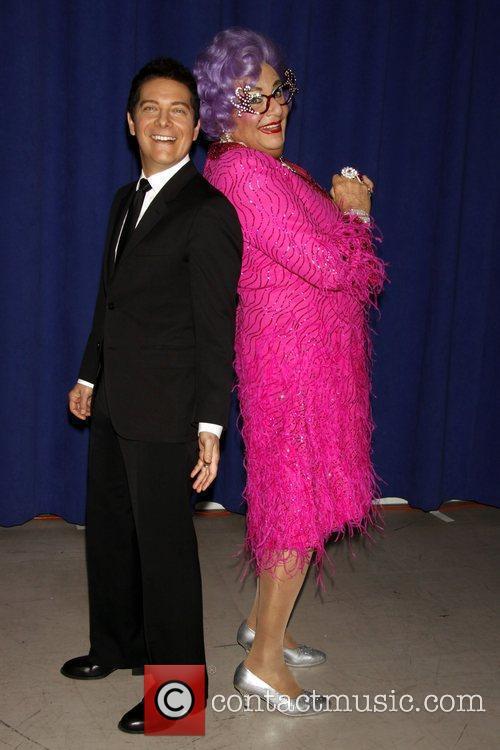 Dame Edna Everage and Michael Feinstein 9