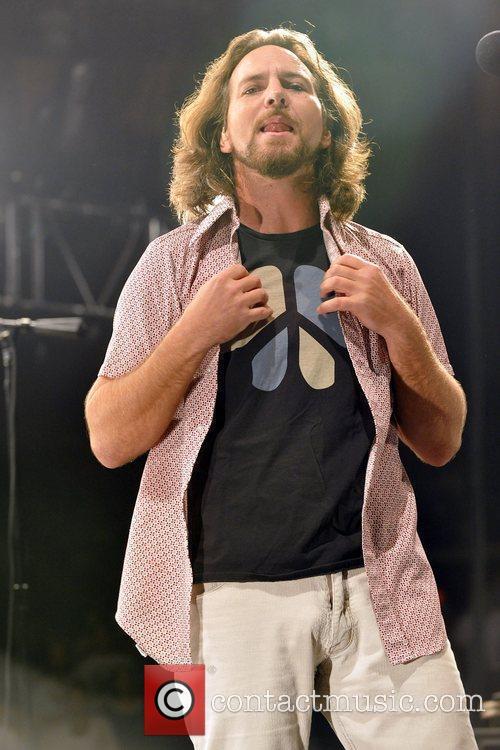 Pearl Jam, Eddie Vedder, Jack Johnson and Sean Penn 2