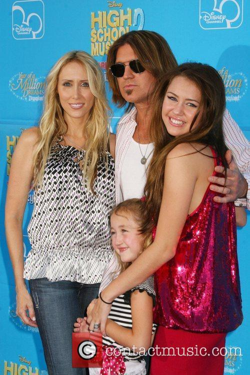 Miley Cyrus, Billy Ray Cyrus, High School Musical and Tish Cyrus 1