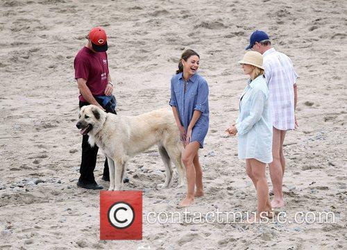 Mila Kunis, Jenna Elfman and Richard Jenkins 3