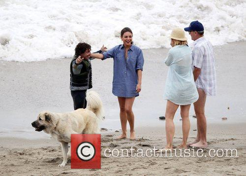 Mila Kunis, Jenna Elfman and Richard Jenkins 9