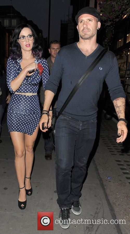 Katy Perry and A Male Companion Go Shopping In Trendy Designer Boutique Liberty Of London. 2